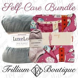 BUNDLE Munki Munki PJ, Lucky Brand Socks & Blanket
